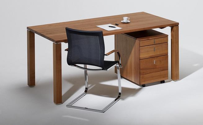 Escritorio sencillo de madera for Escritorios de madera para oficina