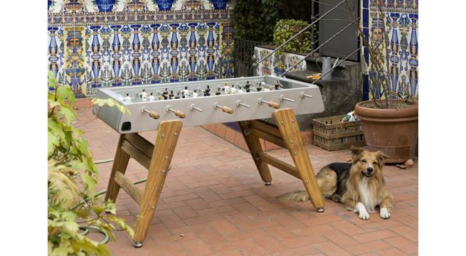 Futbol n de madera de rs barcelona revista muebles mobiliario de dise o - Mobiliario jardin barcelona ...