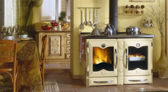Cocinas antiguas de inspiraci n vintage revista muebles for Cocinas de hierro antiguas
