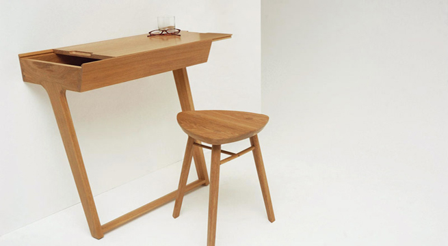 Escritorio y taburete quello de phil procter revista for Diseno de muebles de escritorio