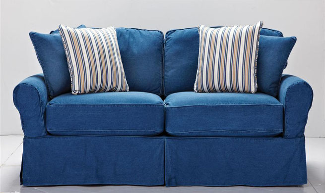 Muebles tapizados en tela vaquera revista muebles for Telas para sillones