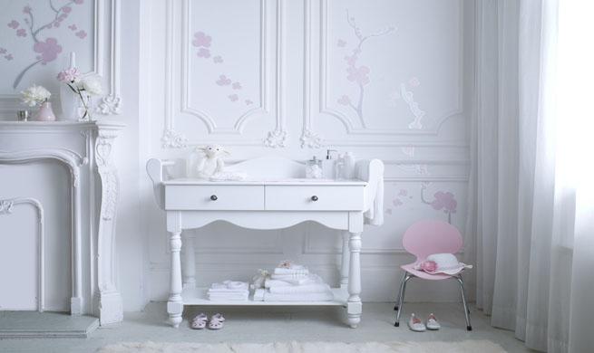 Mueble cambiador de estilo cl sico revista muebles for Muebles bebe diseno