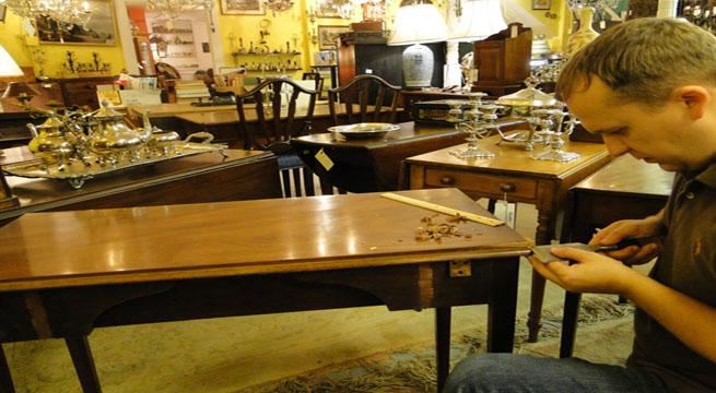 Revista muebles mobiliario de dise o - Decapar muebles antiguos ...