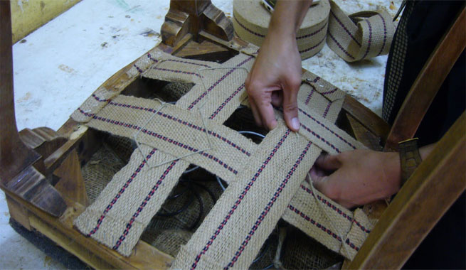 Reforzar asientos de sillas tapizadas revista muebles - Materiales para tapizar ...