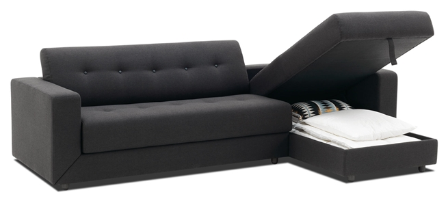 Chaise sofa queen sleeper sofa with chaise benchcraft for Sofa con almacenaje