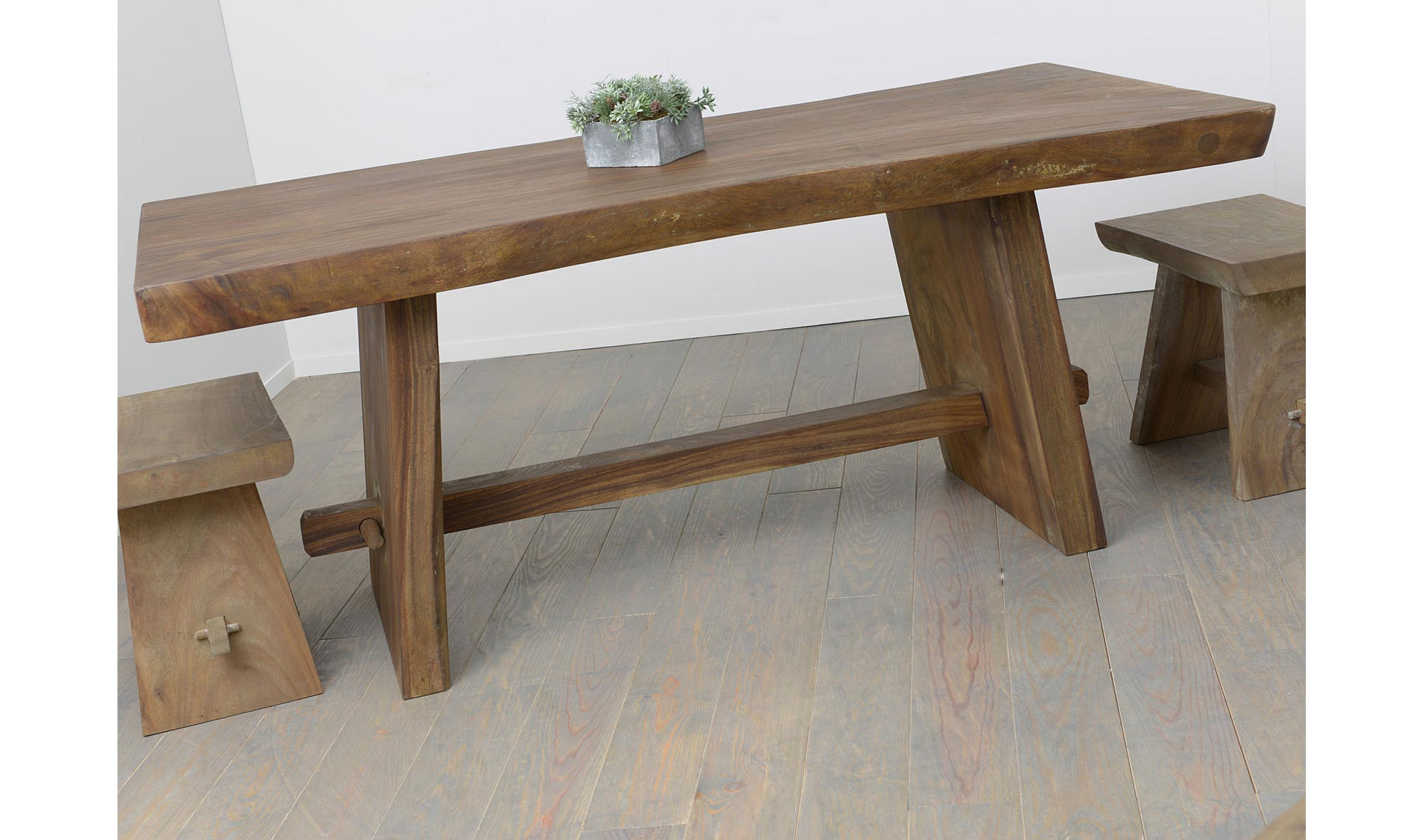Mesas troncos19 for Mesas hechas con puertas de madera